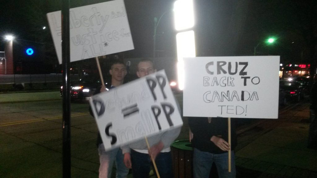 heidi-cruz-protesters